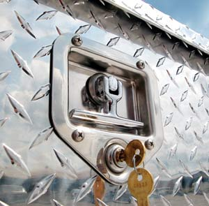 Truck Tool Box Locks >> Pickup Truck Tool Boxes Best Quality By Highway Products